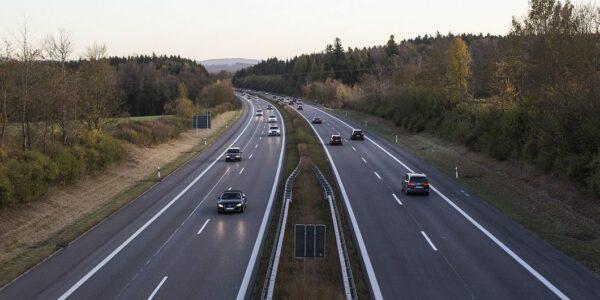 Autobahn - Foto: pixabay