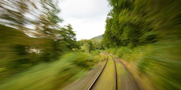 Bahnstrecke - Foto: (c) pixabay