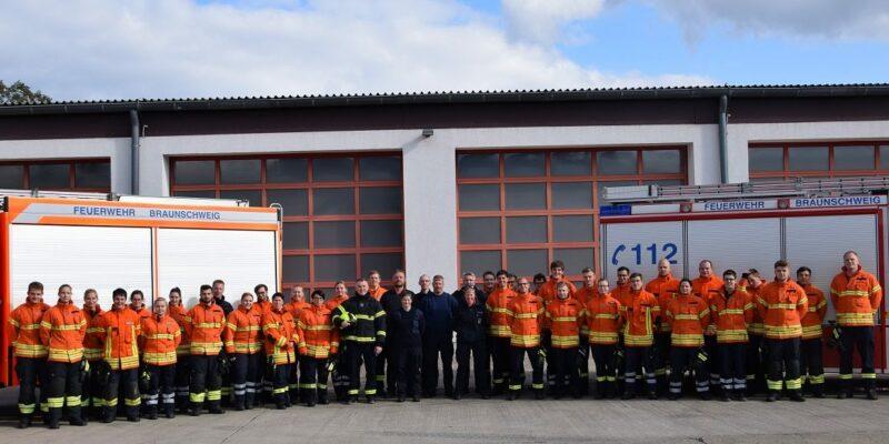 Truppmann Azubis - Foto: (c) Feuerwehr BS